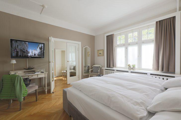 Medium Size of Romantik Hotel Am Bruehl 6079 K Brhl Fototapete Schlafzimmer Deckenleuchte Nolte Romantisches Bett Komplett Weiß Wandleuchte Massivholz Mit Lattenrost Und Schlafzimmer Romantische Schlafzimmer