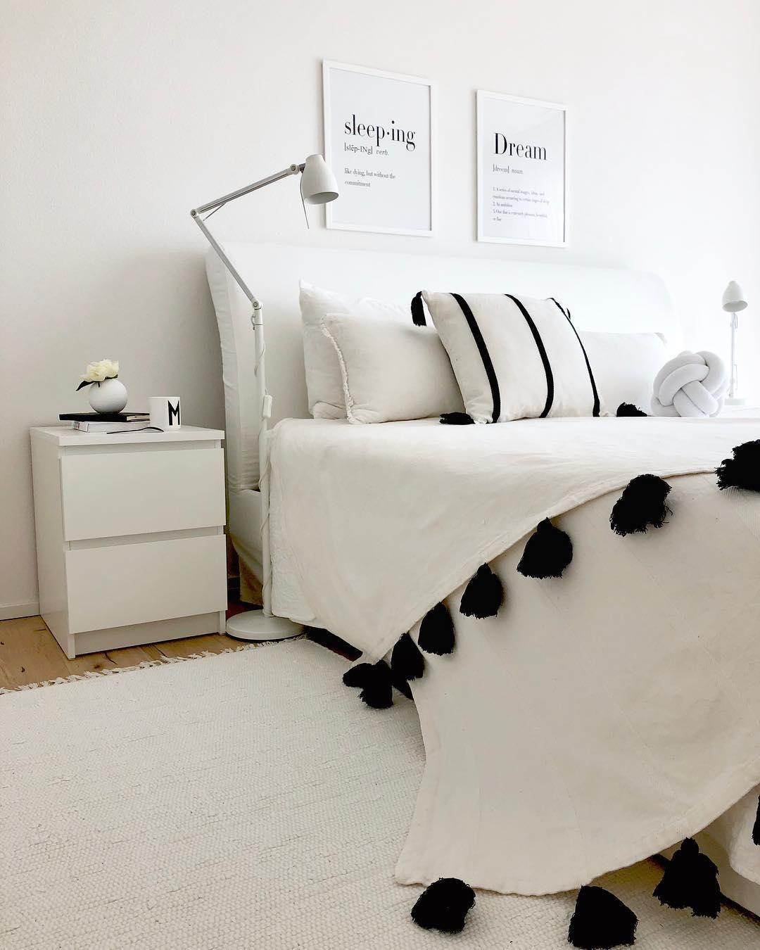 Full Size of Becher M Weies Schlafzimmer Dekor Kronleuchter Weißes Regal Landhausstil Deckenleuchte Modern Romantische Teppich Komplettangebote Komplett Weiß Lampe Schlafzimmer Weißes Schlafzimmer