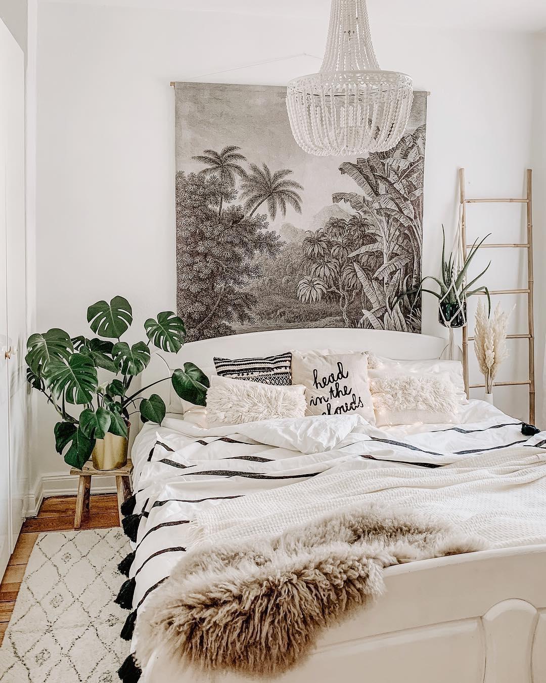 Full Size of Kronleuchter Inspiration Und Gestaltungsideen Weißes Schlafzimmer Kommode Deckenlampe Luxus Sessel Komplett Poco Stuhl Für Deko Komplettangebote Set Günstig Schlafzimmer Kronleuchter Schlafzimmer