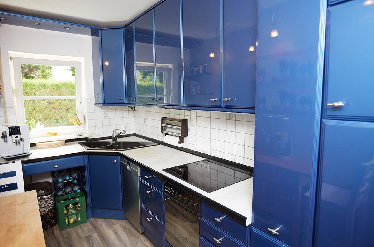 Full Size of Küche Erweitern Kche In Blau Wei Umbauprojekt Kchenstudio Elha Service Deko Für Waschbecken Kaufen Tipps Glaswand Zusammenstellen Tapete Modern Lieferzeit Küche Küche Erweitern
