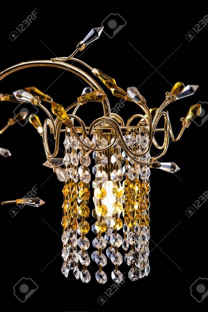 Medium Size of Kronleuchter Schlafzimmer Nahaufnahme Fr Einen Innenraum Gold Landhausstil Komplettangebote Lampen Set Mit Matratze Und Lattenrost Sessel Teppich Wandlampe Schlafzimmer Kronleuchter Schlafzimmer