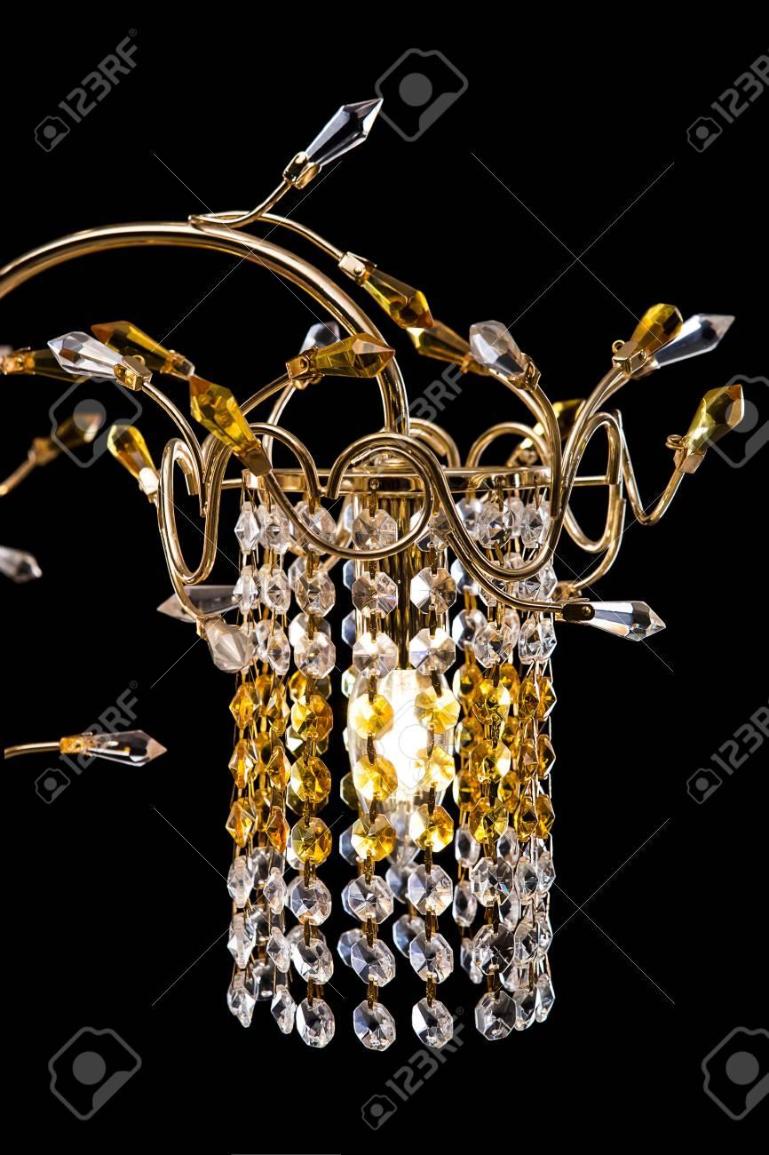 Full Size of Kronleuchter Schlafzimmer Nahaufnahme Fr Einen Innenraum Gold Landhausstil Komplettangebote Lampen Set Mit Matratze Und Lattenrost Sessel Teppich Wandlampe Schlafzimmer Kronleuchter Schlafzimmer