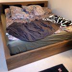 Amerikanisches Bett Bett Amerikanisches Bett Kissen Holz Selber Bauen Mit Vielen Beziehen Bettgestell Bettzeug Kaufen Amerikanische Betten Augen Auf Beim Bettenkauf Bettkasten 180x200