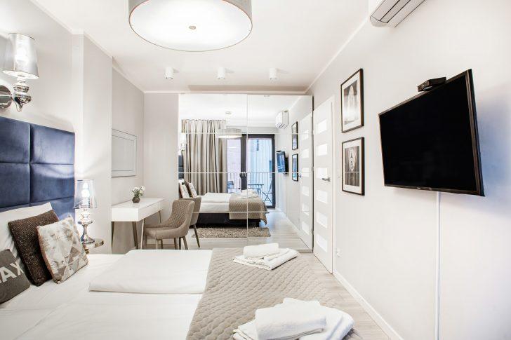 Medium Size of Schlafzimmer Stuhl Wohnung Mit Balkon Wawrzyca 19 41 In Krakau Für Komplettangebote Kommode Weiß Komplette Komplett Klimagerät Lattenrost Und Matratze Schlafzimmer Schlafzimmer Stuhl