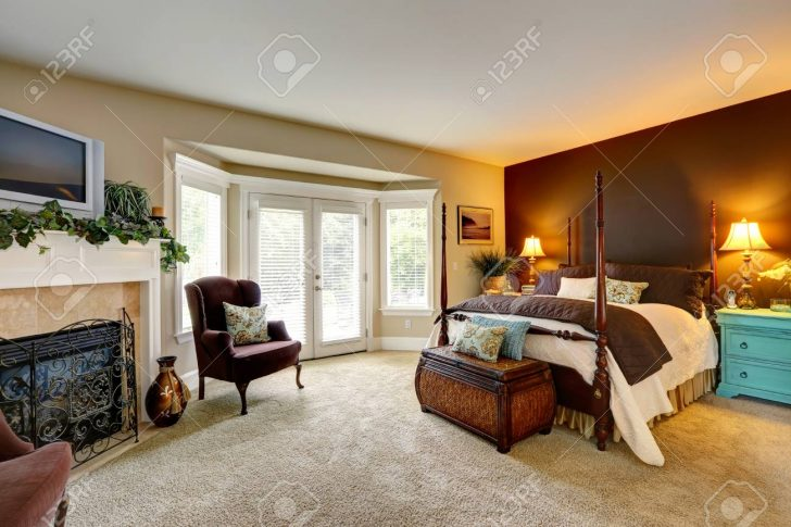 Medium Size of Truhe Schlafzimmer Luxus Mit Kamin Ansicht Schnen Bett Hohen Komplett Guenstig Nolte Rauch Regal Weiß Schrank Truhenbank Garten Stehlampe Günstige Sessel Schlafzimmer Truhe Schlafzimmer