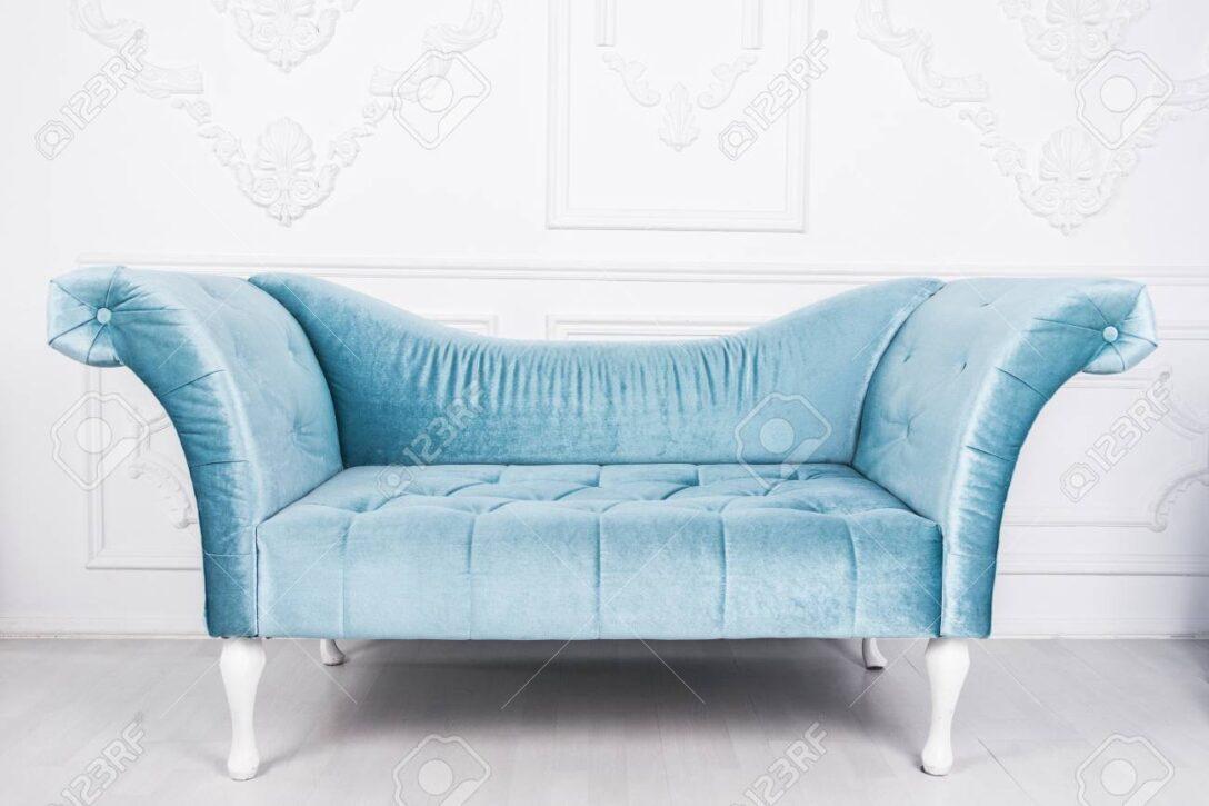 Large Size of Blaue Couch Bayern 1 Podcast Das Sofa Zdf Blaues Leipziger Buchmesse 2019 In Weiem Interieur Und Grauem Lizenzfreie Fotos Weiß Kleines Led Landhaus Ligne Sofa Blaues Sofa