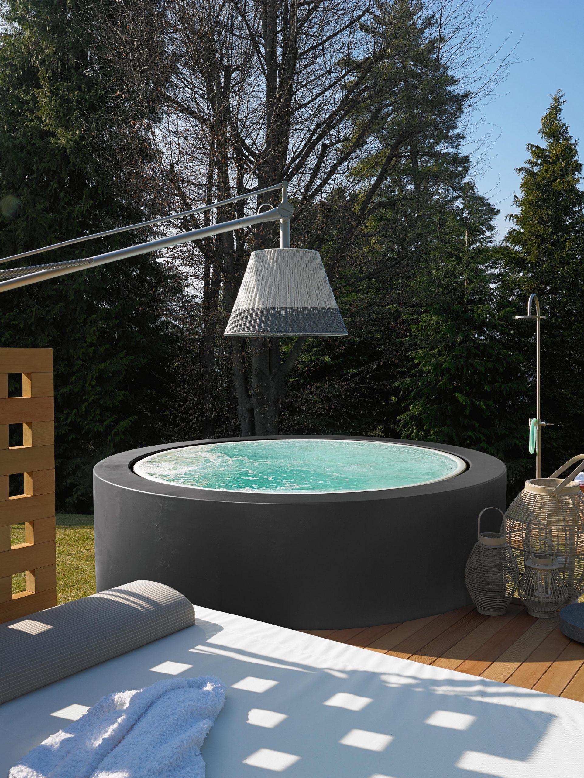 Full Size of Mini Pool Garten Minipool Hochwertige Designer Architonic Schwimmingpool Für Den Bett Minimalistisch Sichtschutz Wpc Beistelltisch Aufbewahrungsbox Klapptisch Garten Mini Pool Garten