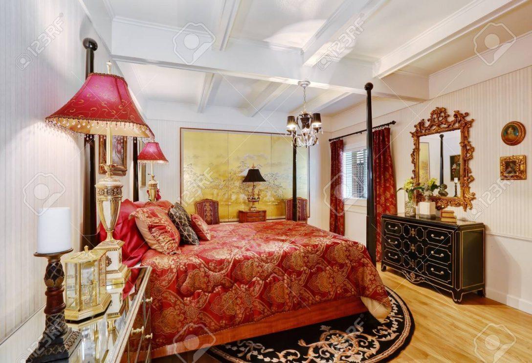 Large Size of Hauptschlafzimmer Interieur In Weier Farbe Mit Roten Prinzessinen Bett Matratze Und Lattenrost 140x200 Kopfteil Selber Machen Grau Günstig Billige Betten Bett Bett Hoch