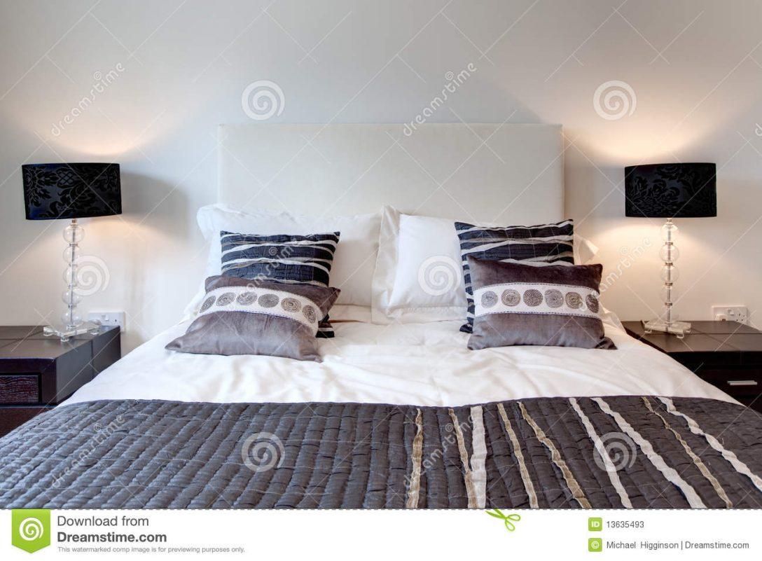 Large Size of Stilvolles Bett Stockbild Bild Von Moebel Betten Platzsparend Mit Lattenrost Einzelbett Prinzessin Bettwäsche Sprüche Musterring Bestes 140 Test Massiv Bett Modernes Bett