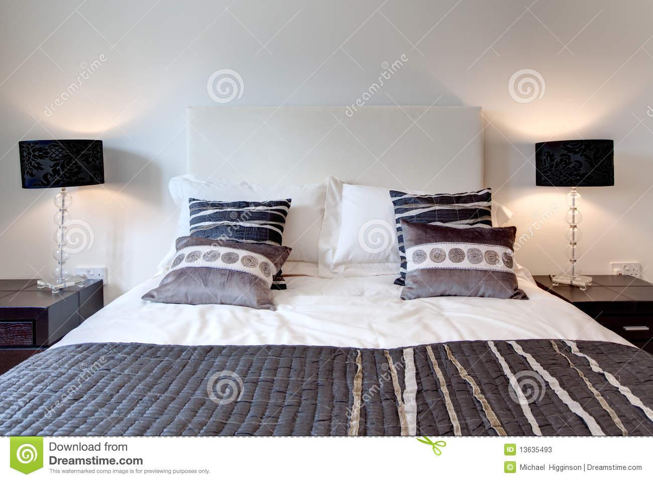Full Size of Stilvolles Bett Stockbild Bild Von Moebel Betten Platzsparend Mit Lattenrost Einzelbett Prinzessin Bettwäsche Sprüche Musterring Bestes 140 Test Massiv Bett Modernes Bett