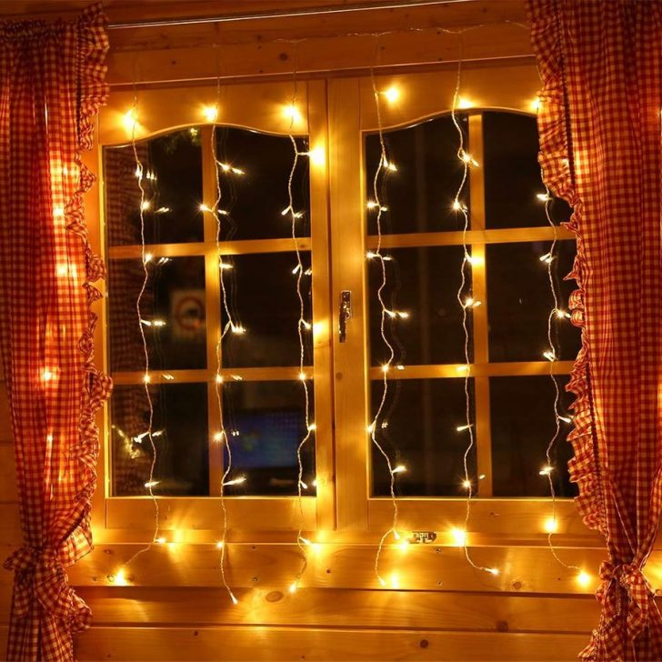 Medium Size of Weihnachtsbeleuchtung Fenster Innen Figuren Amazon Batteriebetrieben Batterie Mit Kabel Fensterbank Stern Led Silhouette Hornbach Ohne Pyramide Girlande Fenster Weihnachtsbeleuchtung Fenster