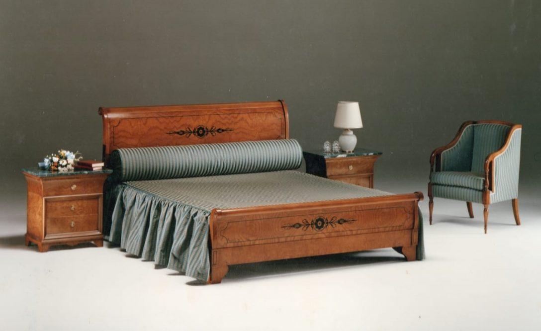 Large Size of Klassisches Bett In Eingelegtem Holz Idfdesign Rauch Betten 140x200 Jabo Günstige 180x200 Esstisch Landhaus Massivholz 100x200 Holzbank Garten Ausklappbares Bett Betten Aus Holz