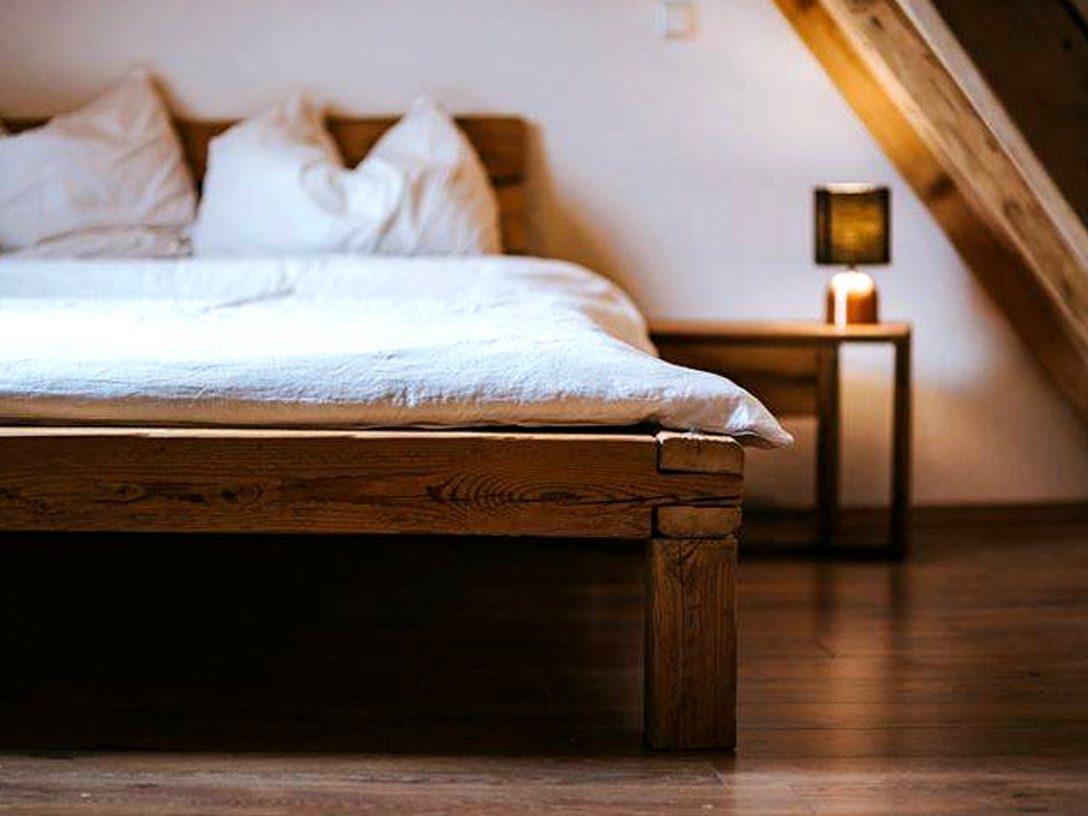 Large Size of Balkenbett Aus Altholz Massivholz Bett Fr Ihr Schlafzimmer Sofa Mit Bettkasten Joop Betten Metall Stauraum 160x200 Günstige Wasser Billige King Size Bett Altes Bett