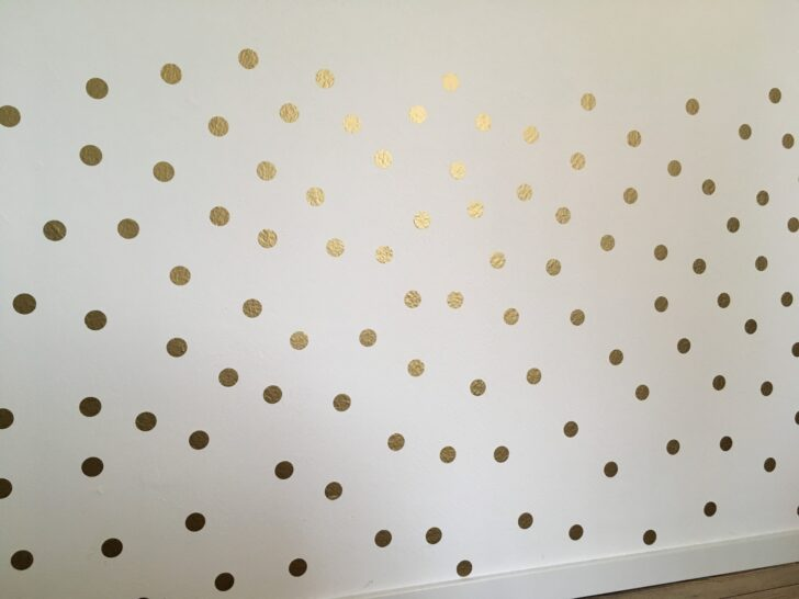 Medium Size of Wandaufkleber Kinderzimmer Wandtattoo Punkte Gold Deko Online Regal Weiß Regale Sofa Kinderzimmer Wandaufkleber Kinderzimmer