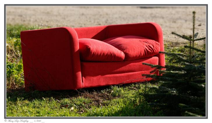 Medium Size of Rotes Sofa Foto Bild Streetfotografie Ohne Menschen Ektorp Brühl Cognac Copperfield Federkern Grau Leder Elektrisch Hussen Baxter W Schillig Mondo Blaues Mit Sofa Rotes Sofa