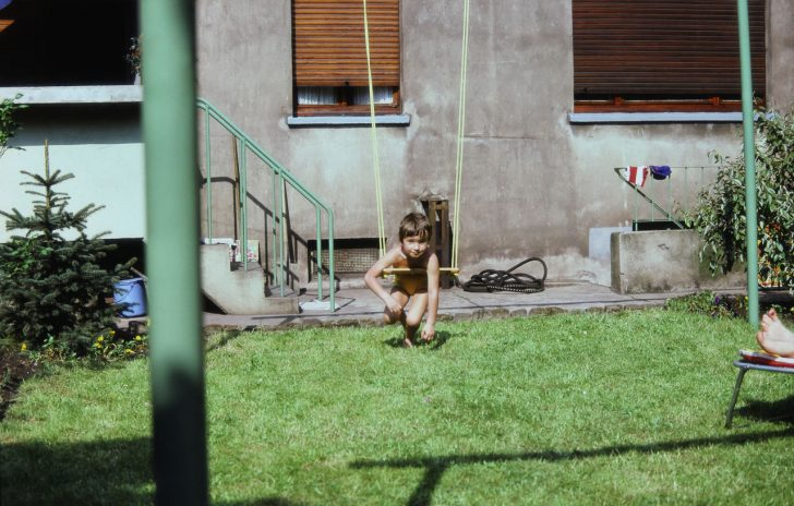 Medium Size of Schaukel Garten Gartenpirat Kinder Erwachsene Ohne Betonieren Gartenschaukel Metall Gartenliege Selber Bauen Test Holz Baby Im Wdr Versicherung Trennwände Garten Schaukel Garten