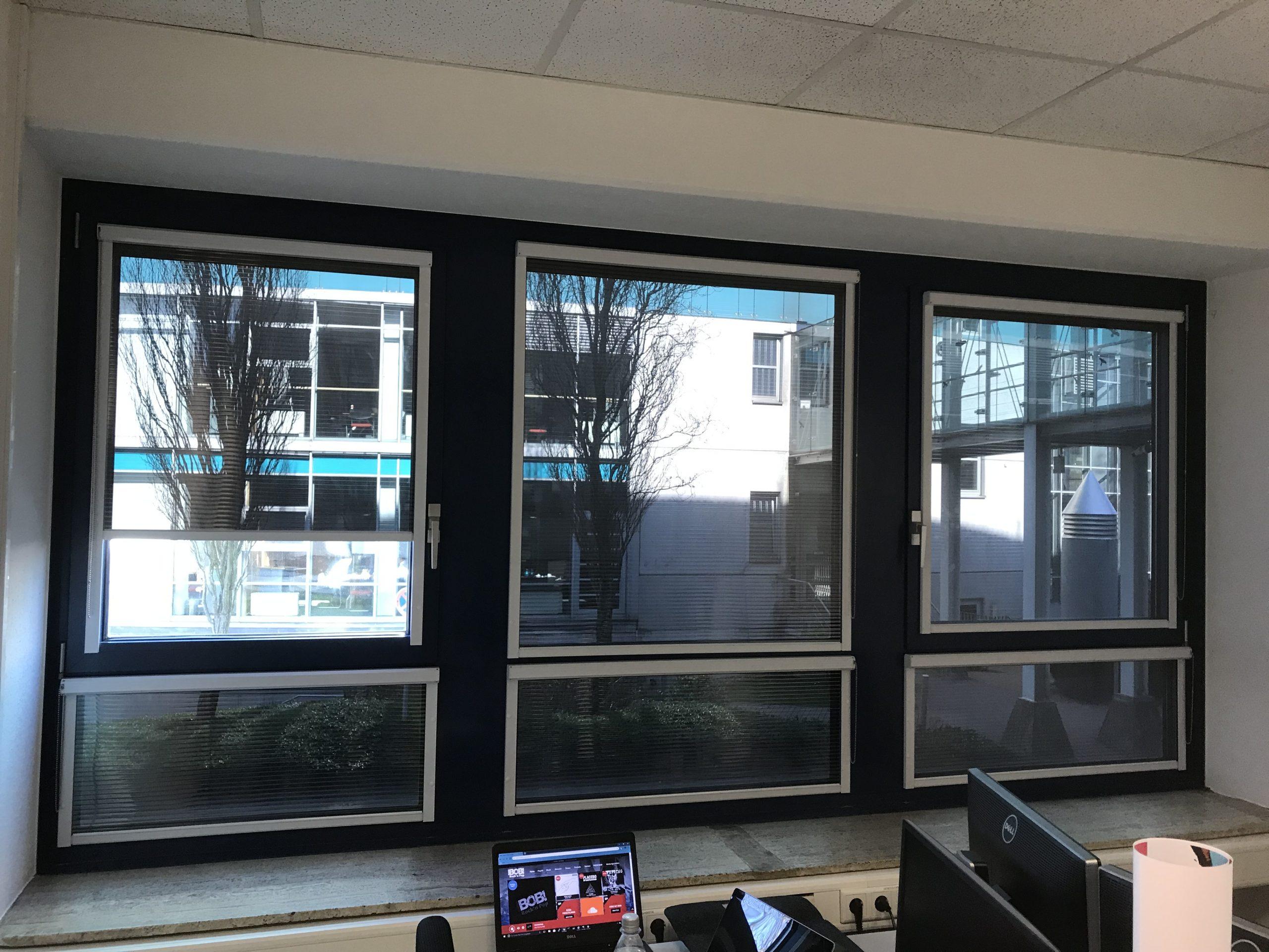 Full Size of Sonnenschutzfolie Fenster Innen Selbsthaftend Anbringen Oder Aussen Montage Doppelverglasung Hitzeschutzfolie Entfernen Baumarkt Test Obi Sonnenschutz Fenster Sonnenschutzfolie Fenster Innen