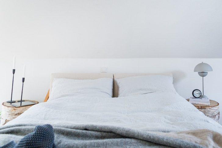 Medium Size of Bett Schlicht Schlafzimmer Einrichten Mit Schrge Unser Im Buche Balinesische Betten Matratze Und Lattenrost Außergewöhnliche Platzsparend Boxspring Ohne Bett Bett Schlicht