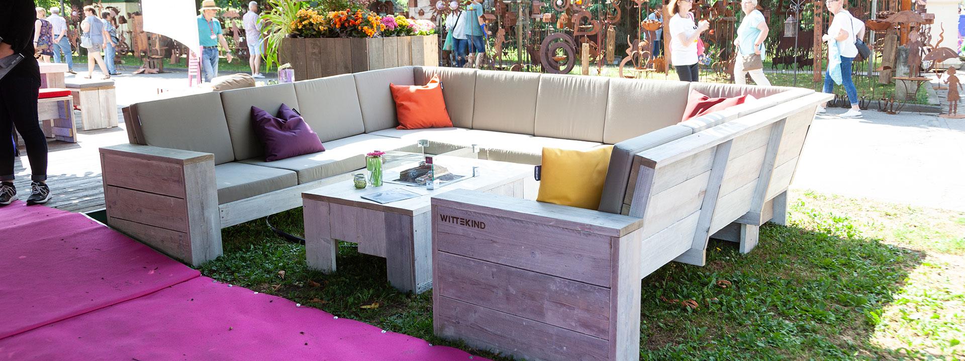 Full Size of Platz Fr Alle Das Lounge Sofa U Form Xxl Ausklappbares Bett Einbauküche Ohne Kühlschrank Pendelleuchte Wohnzimmer Regal Buche Auf Raten überzug Moderne Sofa Xxl Sofa U Form
