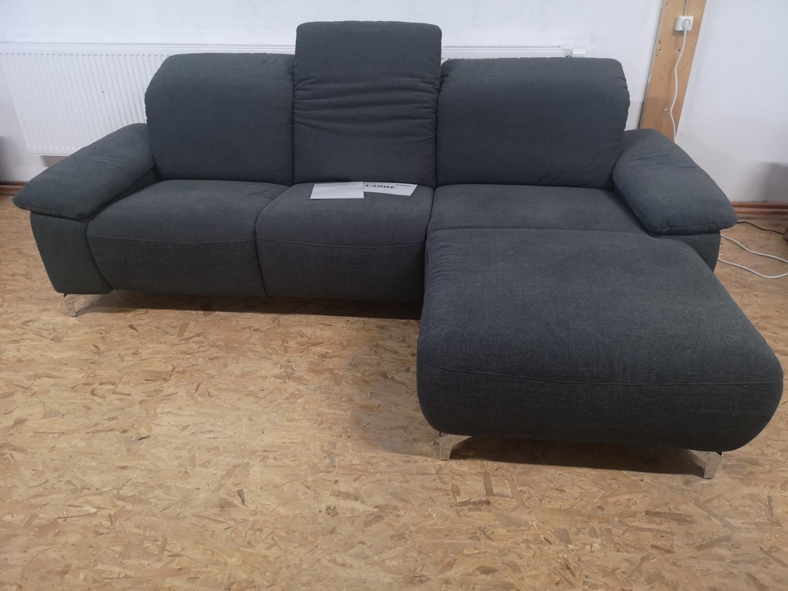 Full Size of Warum Ist Mein Sofa Elektrisch Geladen Elektrische Sitztiefenverstellung Erfahrungen Couch Was Tun Elektrischer Sitzvorzug Durch Aufgeladen Statisch Ausfahrbar Sofa Sofa Elektrisch