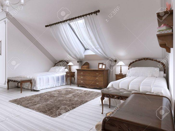 Medium Size of Luxus Betten Mit Zwei Und Ein Dachfenster Holz Braun 100x200 Dico Wohnwert Bettkasten Ottoversand Sofa Schramm 90x200 Landhausstil Amazon 180x200 120x200 Bett Luxus Betten