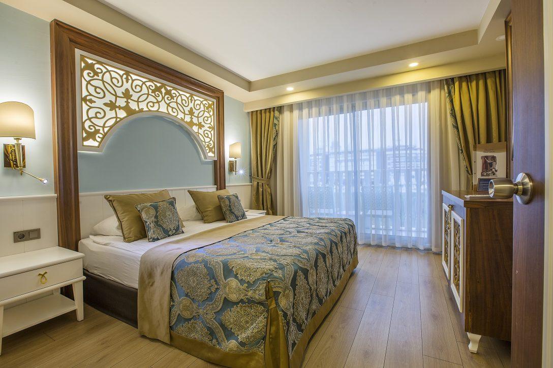 Large Size of Großes Bett Antike Betten 120 X 200 Günstig Kaufen Balken Rückwand Chesterfield Für übergewichtige Weißes 90x200 Rauch 180x200 Kopfteil Selber Bauen Bett Großes Bett