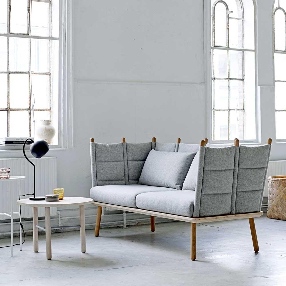 Full Size of Graues Sofa Wandfarbe Ikea Graue Couch Welche Kissenfarbe Kissen Mit Dekorieren Passt Gelbe Dekoration Teppich Farbe Wohnzimmer Beiger Weisser Kombinieren Sofa Graues Sofa
