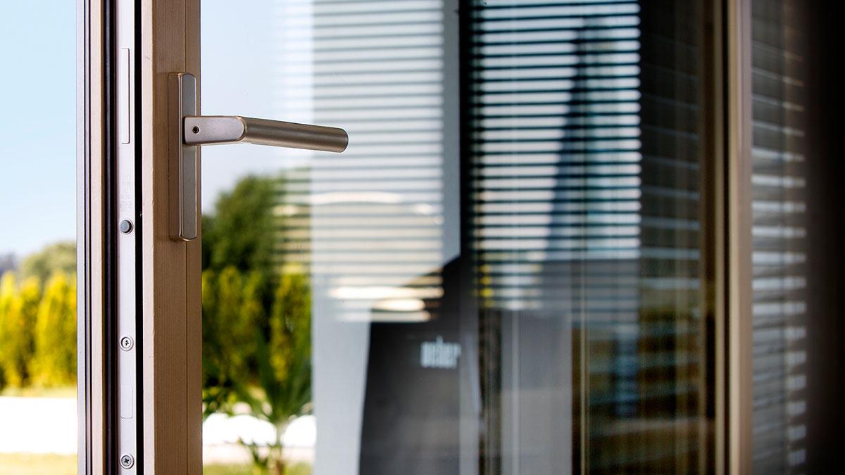 Full Size of Preisunterschied Fenster Holz Alu Kunststoff Kostenvergleich Holz Alu Fenster Kosten Kunststofffenster Aluminium Unilux Preise Winkhaus Zwangsbelüftung Fenster Fenster Holz Alu