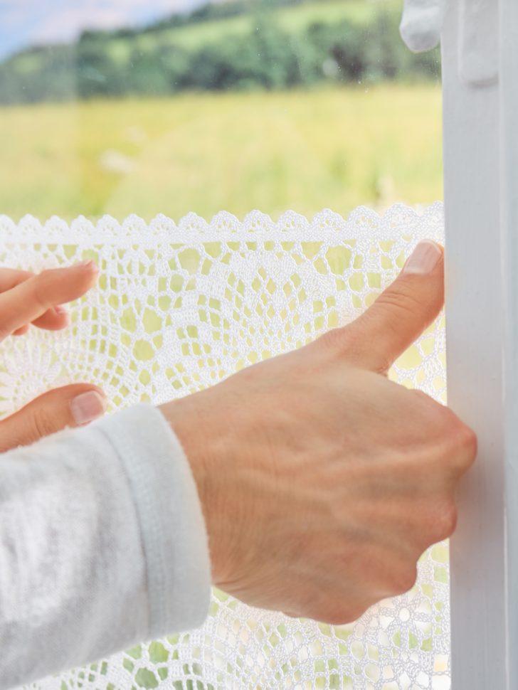 Medium Size of Fenster Sichtschutzfolie Befestigen Lidl Spiegel Obi Einseitig Durchsichtig Sichtschutzfolien Deutschland Dekor Blickdicht Innen Anbringen Schweiz Antistatisch Fenster Fenster Sichtschutzfolie
