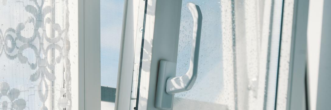 Large Size of Fenster Rostock Bauelemente Sven Fliegengitter Für Roro Alu Erneuern Velux Einbruchschutz Nachrüsten Einbruchsicher Jemako Drutex Rc3 Insektenschutz Ohne Fenster Fenster Rostock