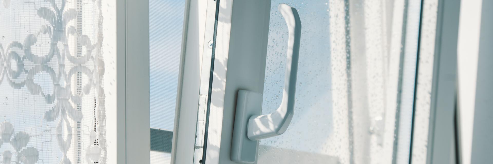 Full Size of Fenster Rostock Bauelemente Sven Fliegengitter Für Roro Alu Erneuern Velux Einbruchschutz Nachrüsten Einbruchsicher Jemako Drutex Rc3 Insektenschutz Ohne Fenster Fenster Rostock