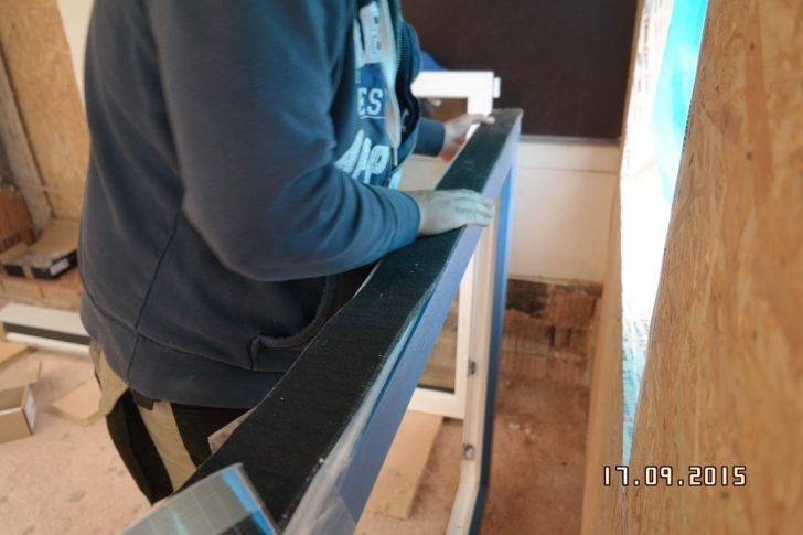 Medium Size of Fenster Abdichten Rollos Ohne Bohren 120x120 Folie Velux Einbauen Gitter Einbruchschutz Insektenschutzrollo Rc 2 Maße Holz Alu Standardmaße Insektenschutz Fenster Fenster Abdichten
