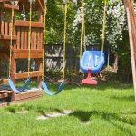 Schaukel Garten Rasen Im Mit Kindern Kids Pool Bauen Rattan Sofa Swimmingpool Relaxliege Kinderschaukel Gerätehaus Wassertank Sauna Aufbewahrungsbox Garten Schaukel Garten