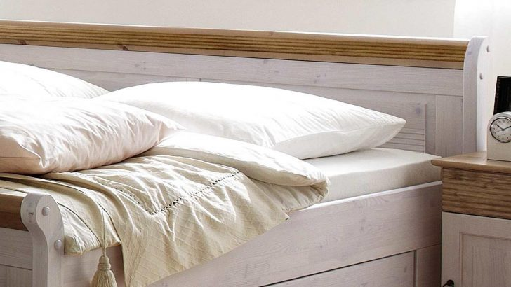 Medium Size of Bett Oslo Doppelbett Aus Kiefer Massiv Wei Antik 200x200 Cm Lifetime Luxus Betten Zum Ausziehen Treca Günstige 200x220 Massivholz 90x200 Mit Lattenrost Und Bett 200x200 Bett