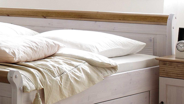 Full Size of Bett Oslo Doppelbett Aus Kiefer Massiv Wei Antik 200x200 Cm Lifetime Luxus Betten Zum Ausziehen Treca Günstige 200x220 Massivholz 90x200 Mit Lattenrost Und Bett 200x200 Bett