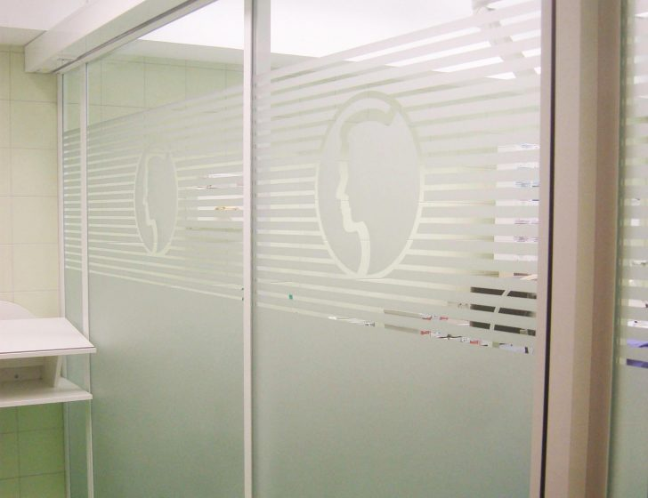 Medium Size of Milchglasfolie Ein Perfekter Sichtschutz Fr Fenster Plus Einbruchschutz Erneuern Sichtschutzfolie Für Einbruchsicherung Drutex Test Tauschen Folien Plissee Fenster Fenster Sichtschutzfolie