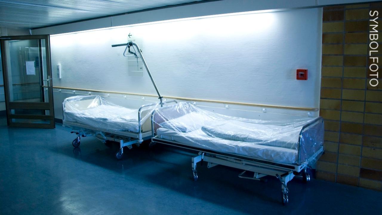 Full Size of Kliniwetzlar Gesteht Patient Illegal An Bett Gefesselt Wand Betten Mit Bettkasten Rauch 90x200 Weiß Gebrauchte Ikea 160x200 Kaufen Boxspring Selber Bauen Cars Bett Krankenhaus Bett