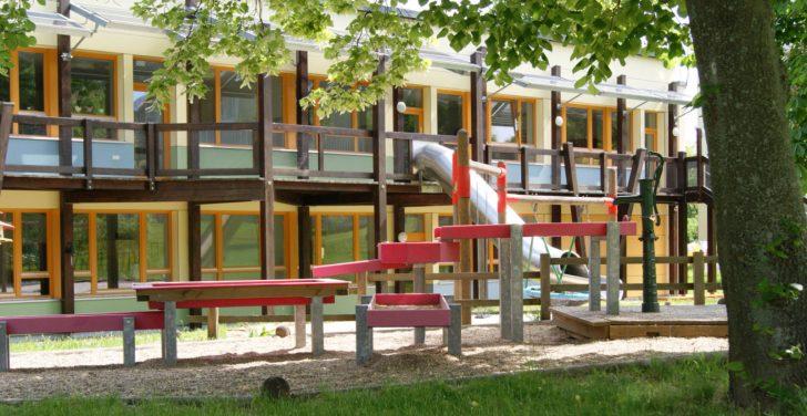 Medium Size of Kinderhaus Garten Das Team Trennwand Relaxsessel Spielhaus Holzhaus Heizstrahler Essgruppe Lounge Möbel Schaukelstuhl Fußballtor Whirlpool Aufblasbar Garten Kinderhaus Garten