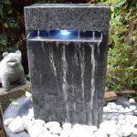 Wasserbrunnen Garten Wasserfall Wasserspiel Granit Berlauf In Amp Terrasse Hängesessel Lounge Sessel Und Landschaftsbau Berlin Relaxsessel Kugelleuchte Garten Wasserbrunnen Garten