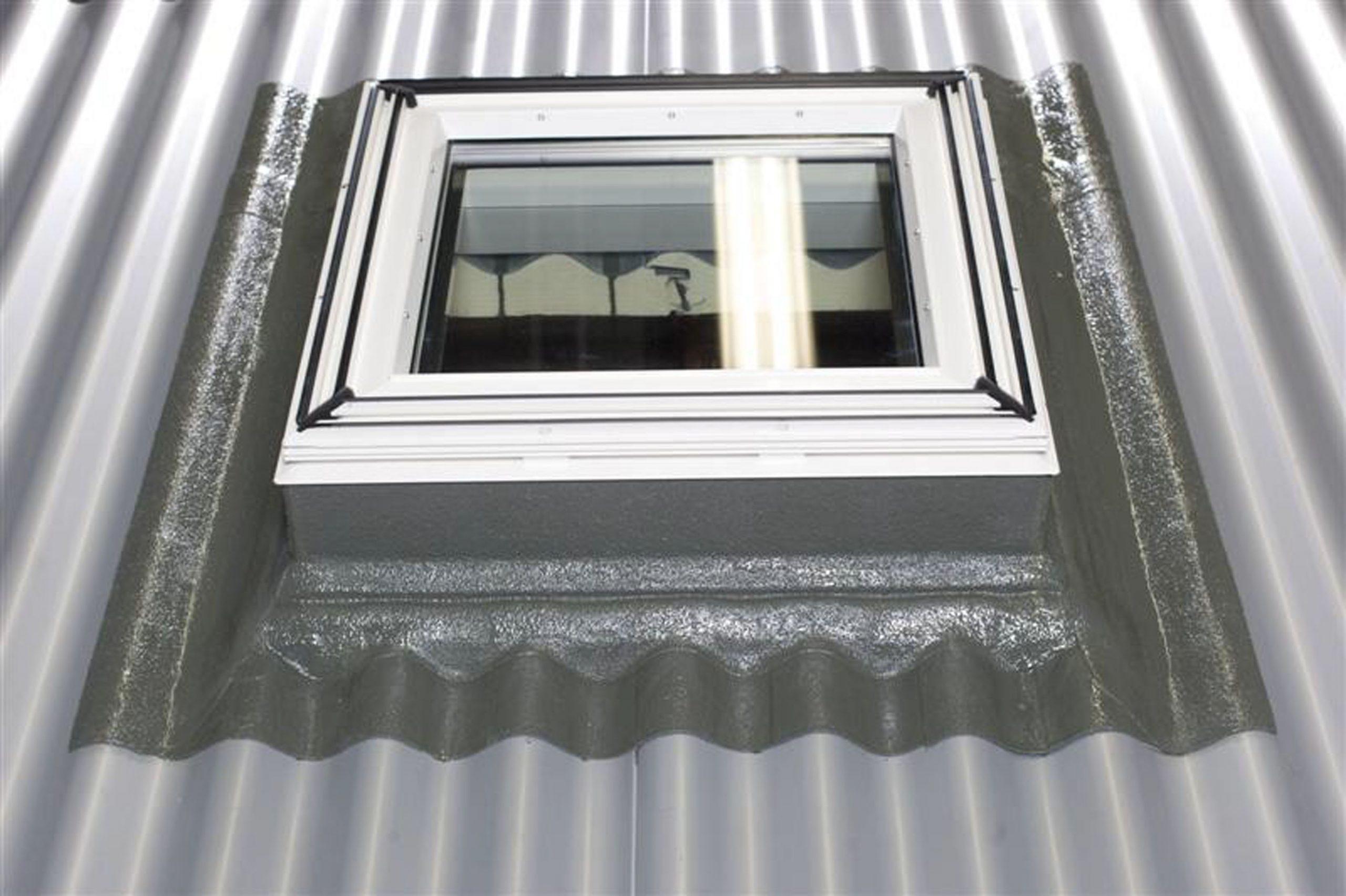 Full Size of Flachdach Fenster Einbau Von Veluflachdachfenstern Am Welldach Türen Velux Kaufen Standardmaße Dänische Rolladen Nachträglich Einbauen Reinigen Fenster Flachdach Fenster