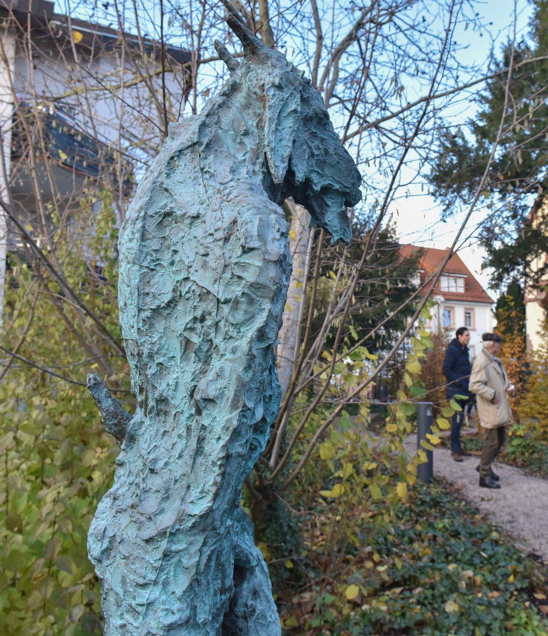 Large Size of Skulpturen Garten Gartenskulpturen Aus Stein Italien Kaufen Selber Machen Skulpturengarten Hirschberg Zwischen 3000 Pflanzen Und Drei Arid Holzhaus Ecksofa Garten Skulpturen Garten