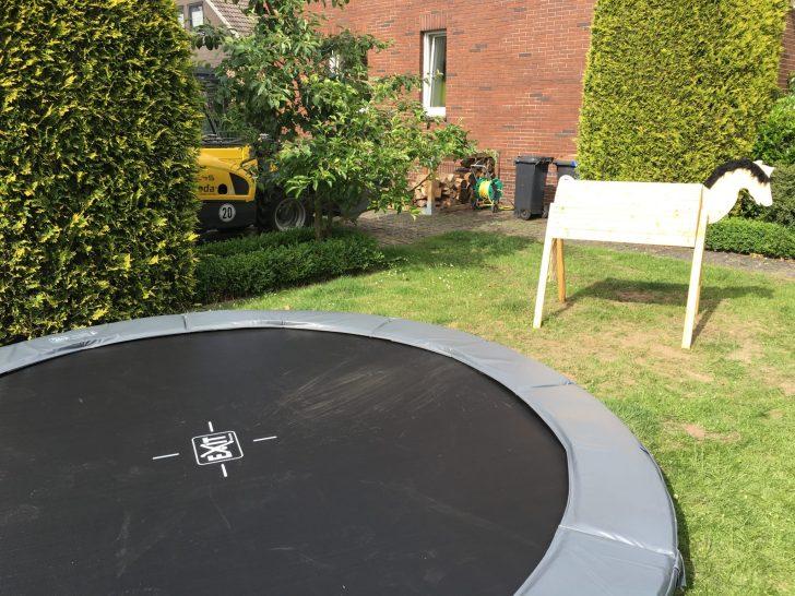 Medium Size of Trampolin Garten Inground In Bad Oeynhausen Haus Service Klettergerüst Holzhaus Kind Relaxsessel Edelstahl Lounge Set Pool Im Bauen Versicherung Hochbeet Garten Trampolin Garten