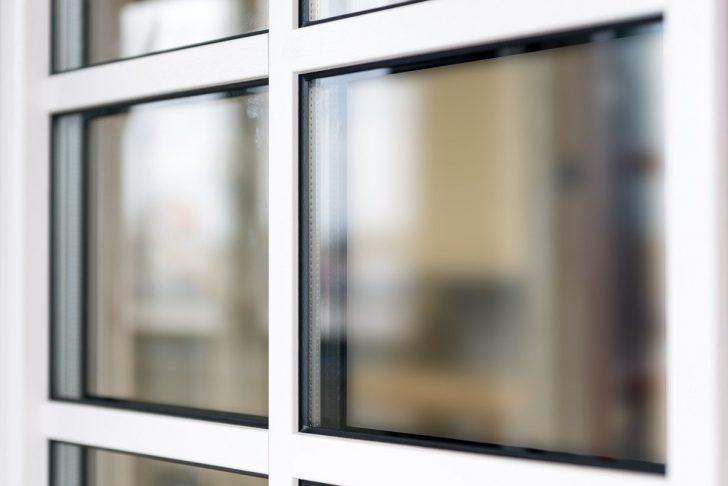 Medium Size of Fenster Mit Sprossen Innenliegend Preise Kosten Preis Und Rollladen Oder Ohne Preisunterschied Rolladen Innenliegenden Landhausstil Anthrazit Fenstersprossen Fenster Fenster Mit Sprossen