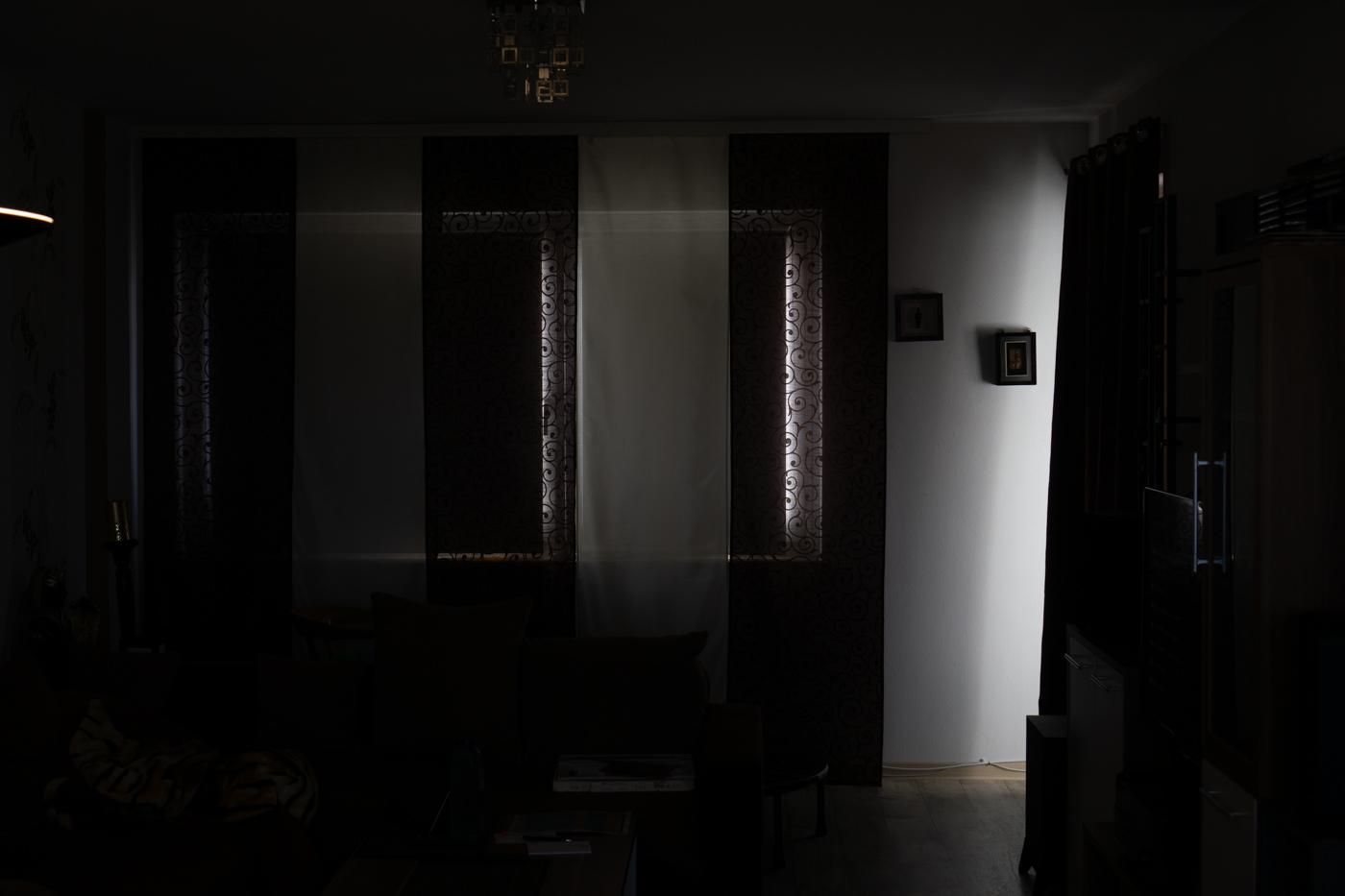 Full Size of Fenster Verdunkelung Vllig Von Der Rolle Solina Rollos Mdks Felux Landhaus Einbruchsicherung Sonnenschutz Erneuern Kosten Insektenschutz Fototapete Schüco Rc3 Fenster Fenster Verdunkelung