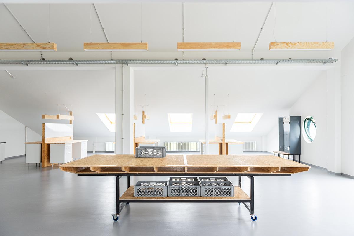 Full Size of Cleantech Innovation Center Berlin Studio Tonia Welter Benz Sofa 2 5 Sitzer Garnitur Teilig Antikes Esszimmer Türkische Schlafsofa Liegefläche 160x200 Sofa Innovation Sofa Berlin