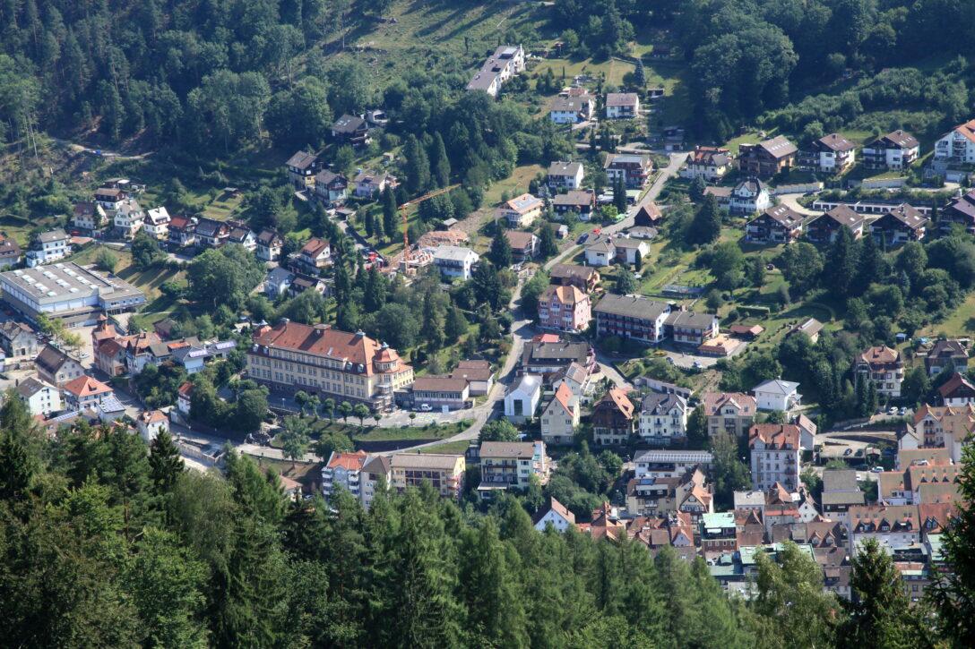 Large Size of Bad Wildbad Hotel Filebad Sommerberg 02 Iesjpg Wikimedia Neuenahr Barrierefreies Zuschuss Krankenkasse Heviz Badmöbel Regal Fürstenhof Griesbach Bad Bad Wildbad Hotel