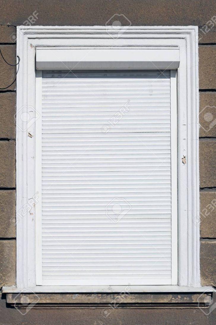 Medium Size of Fenster Mit Weies Lizenzfreie Fotos Sichtschutzfolie Einbruchschutz Nachrüsten Drutex Sichtschutz Für 2 Sitzer Sofa Relaxfunktion Bett Gepolstertem Kopfteil Fenster Fenster Mit Rolladen
