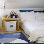 Bett Niedrig Bett Moderne Schlafzimmer Mit Dachschrge Niedrig Bett Holz Seite 140x200 Ohne Kopfteil Betten Weiß Stauraum 200x200 Rauch 100x200 Tatami Schubladen 180x200 Eiche