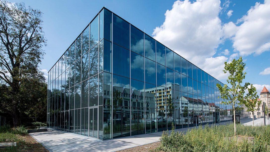 Large Size of Bauhaus Fensterfolien Fensterdichtungen Badezimmer Fensterfolie Fensterdichtungsband Granitplatten Fensterbank Verspiegelt Schwarz Tesa Fensterdichtung Granit Fenster Bauhaus Fenster