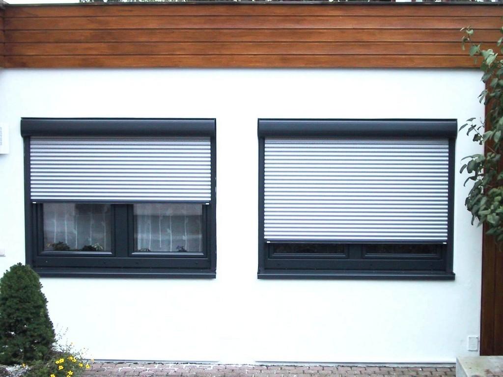 Full Size of Fenster Anthrazit Rolladen Mit Eingebauten Sicherheitsbeschläge Nachrüsten Einbauen Kosten Alte Kaufen Rc 2 Dachschräge Schüko Konfigurator Insektenschutz Fenster Fenster Rolladen
